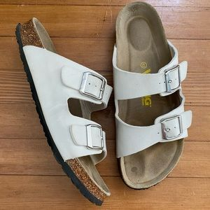 Viking Chatham White Sandal Size 42